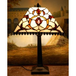 Lampa witrażowa w stylu Tiffany