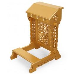 Złoty rzeźbiony klęcznik modlitewnik